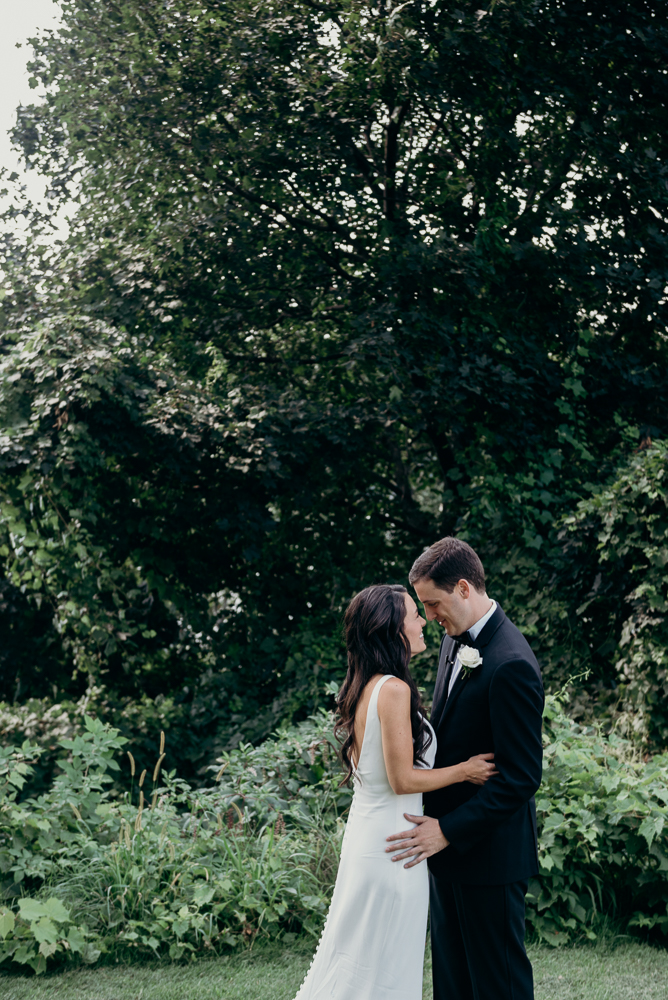 Wedding Photography Poughkeepsie Ny: Stunning Photo Opportunities Near The Grandview In
